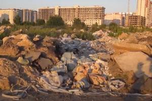 В центре Брянска появилась огромная свалка строительного мусора