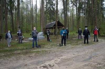 Под Брянском навели порядок на стоянке партизанского отряда НКВД