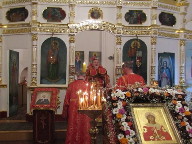 Брянский храм во имя святой великомученицы Варвары отметил престольное торжество.