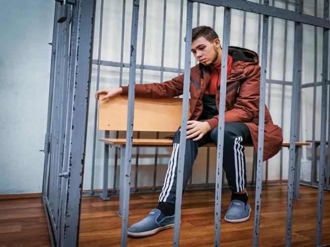 В Брянске виновник жуткого ДТП на Речной с трудом дошел до суда