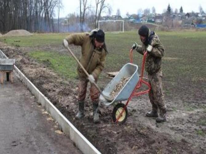 В Мглине строят стадион за 2 миллиона рублей
