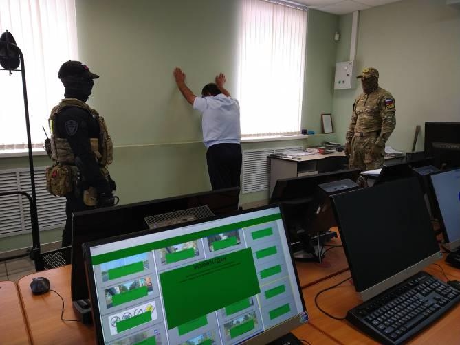 В Брянске появились эксклюзивные фото задержания офицеров МРЭО