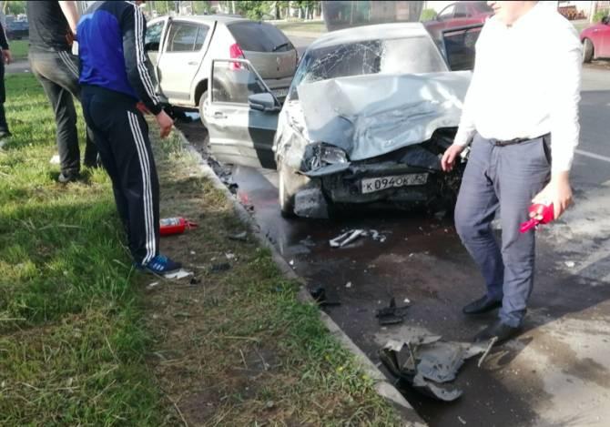 В Брянске на Литейной произошло серьезной ДТП