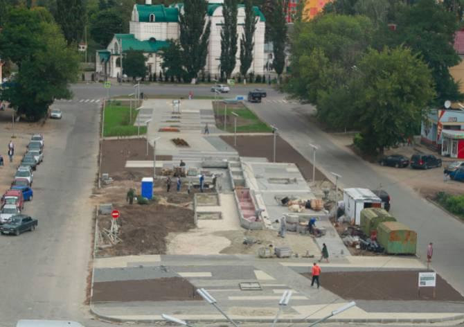 В Брянске в сквере «Литий» начали облицовывать фонтан
