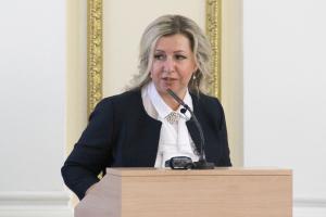 Доход брянского детского омбудсмена превысил 1,8 млн рублей