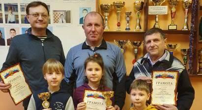 В Жуковке состоялся шашечный турнир «Связь поколений»