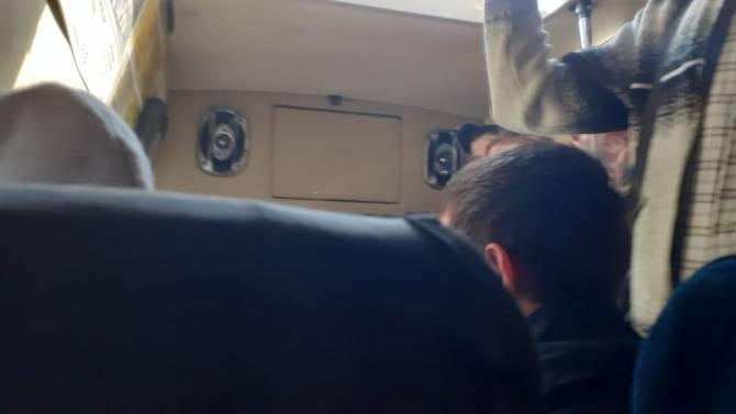 Водитель брянской маршрутки №40 в пандемию до отказа набил салон пассажирами
