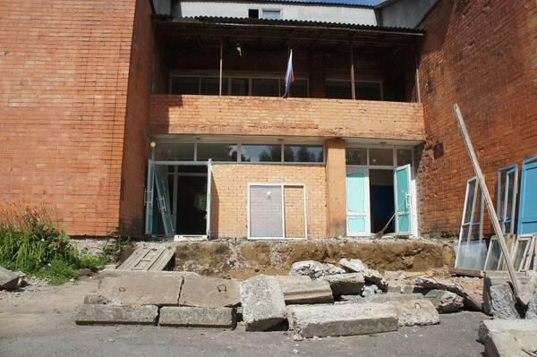 В Жирятинском районе отремонтируют дом культуры за 1 млн рублей