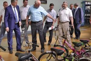 Брянскому губернатору Богомазу посоветовали пересесть на велосипед