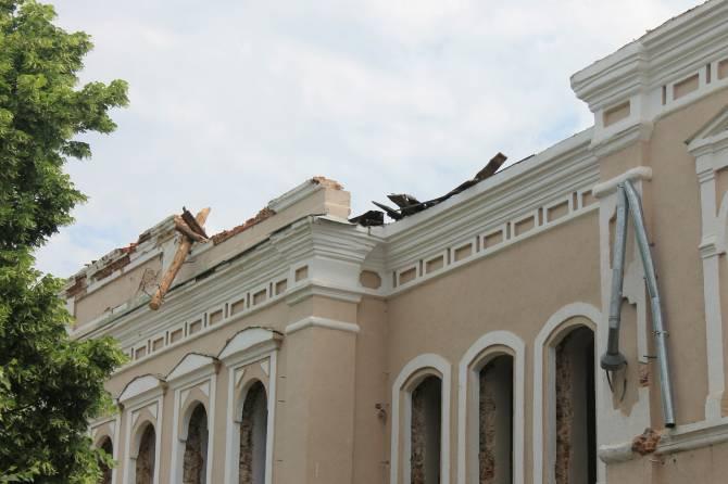 Благодаря кому в России похабят исторические здания?