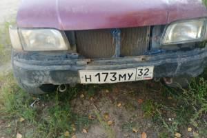 Лишенный прав брянский водитель запугал соседей опасными покатушками