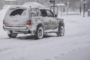 Из-за снегопада брянских водителей призвали отказаться от поездок на личном транспорте