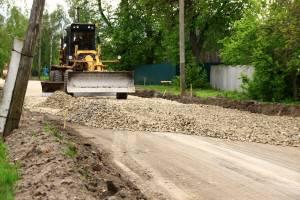 В Почепском районе строят новую дорогу в Бакланском поселении
