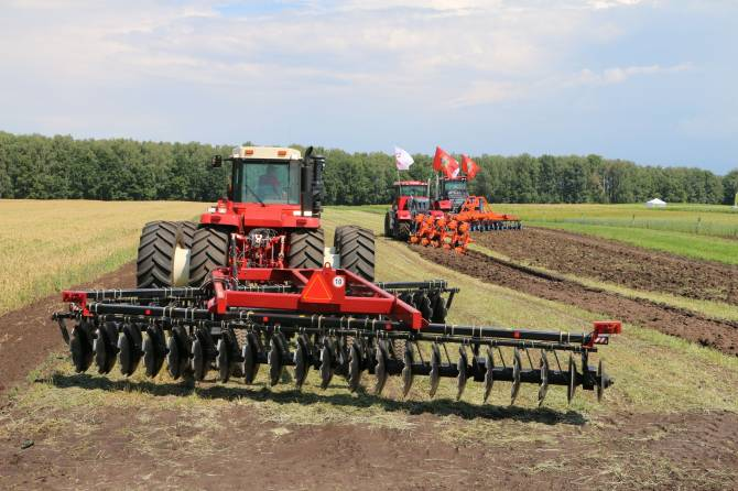 Брянские фермеры получат 36 миллионов рублей