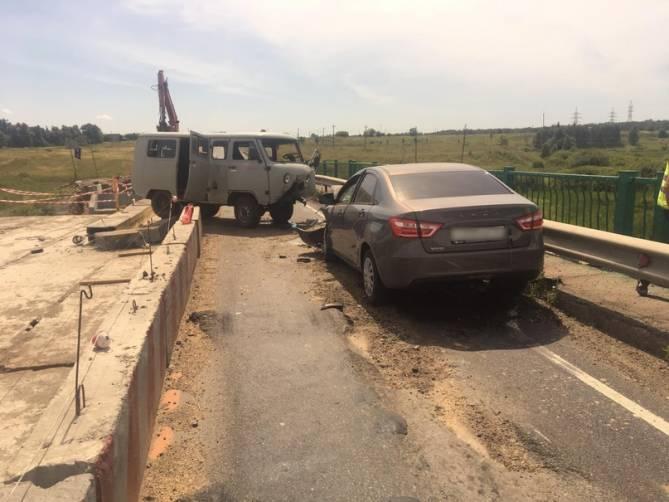 В лобовом столкновении под Севском ранены 4 человека