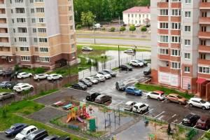 В Брянске на Станке Димитрова в озере утонули машины