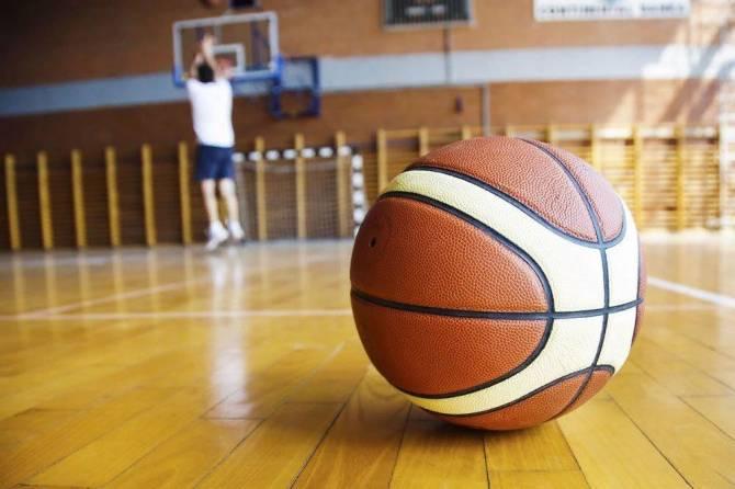 На повышение зарплаты брянским тренерам выделят около 3 млн рублей