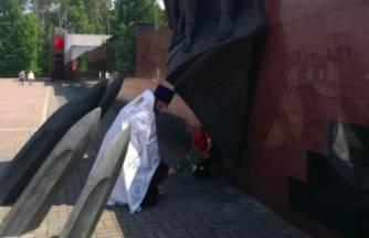 В брянском мемориальном комплексе Хацунь прошла заупокойная служба