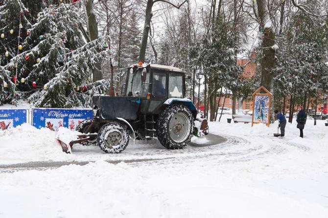 В мэрии Брянска оправдались за провал уборки снега с дорог города