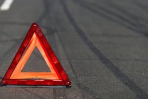 В Комаричском районе пенсионер на Renault отправил в кювет Skoda