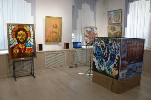 В Брянске открылась выставка памяти художника Юрия Новикова