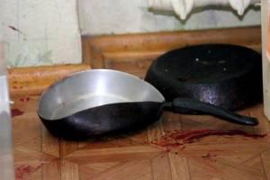 В Брянске 64-летняя женщина из-за ревности убила сковородкой знакомую
