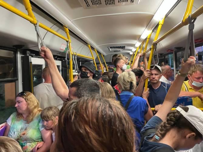 В Брянских автобусах потребовали включить кондиционеры