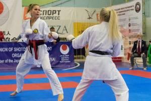 Брянская каратистка разделалась со всеми соперницами на Чемпионате ЦФО
