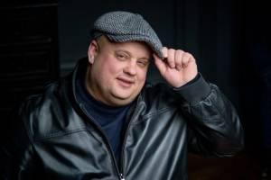 В Брянске 44-летний шансонье Максим Куст умер от коронавируса