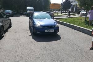Брянский автохам заблокировал парковку на Кургане Бессмертия