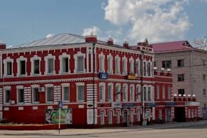 В Новозыбкове разваливается тротуар у двух школ
