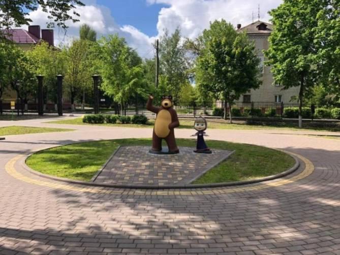 В Брянске восстановили пострадавших от вандалов Машу и Медведя