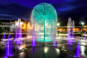 Брянцев восхитила красота вечерних фонтанов