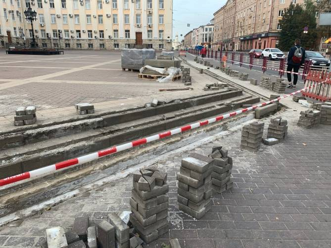 В Брянске начался ремонт театральной площади