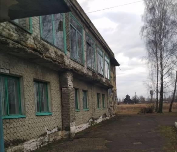 В Климовском районе разрушается Дом культуры