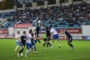 Первый тайм между брянским «Динамо» и «Волгарем» завершился вничью