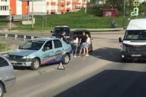На Романа Брянского легковушка въехала в учебный автомобиль