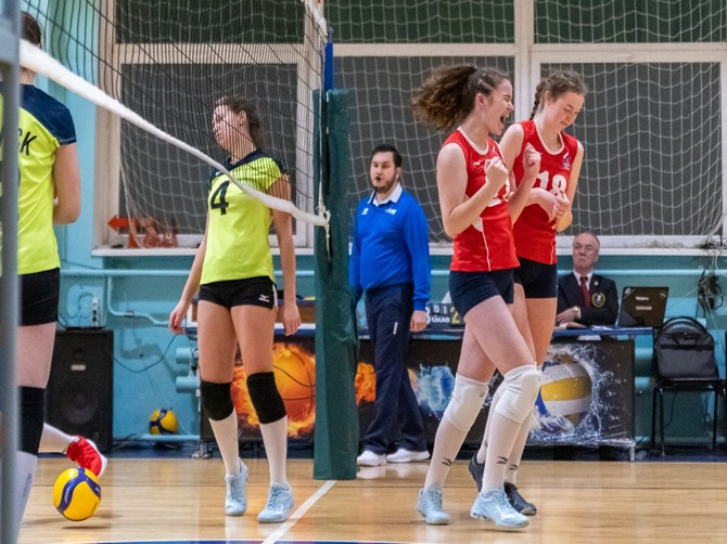 Брянские волейболистки дважды проиграли в Воронеже