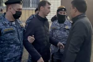Приставы сорвали эфир «Городского» с брянским депутатом Павловым