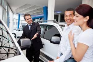 На покупку новой машины брянцам придется копить почти 10 лет