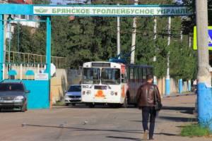 В Брянске могут рухнуть троллейбусные провода