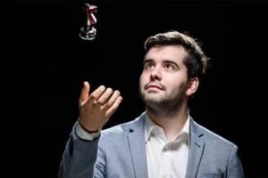 Брянский гроссмейстер Ян Непомнящий продолжил победную серию на Legends of Chess