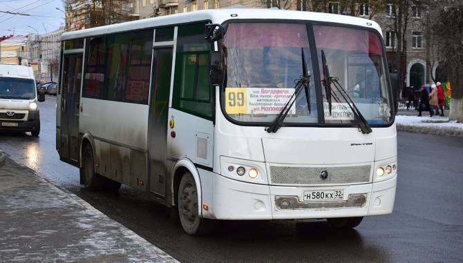 В Брянске приостановили движение муниципальных автобусов №99