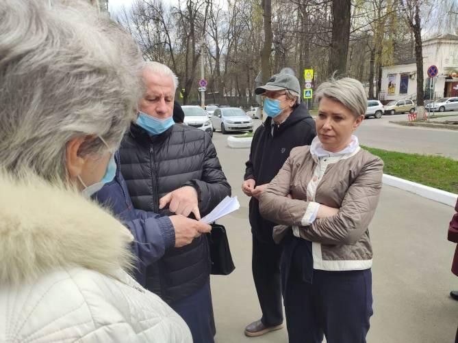 Заместитель мэра Брянска Холина устроила скандал с журналистами