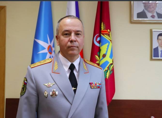Начальник брянского МЧС поздравил женщин с 8 марта