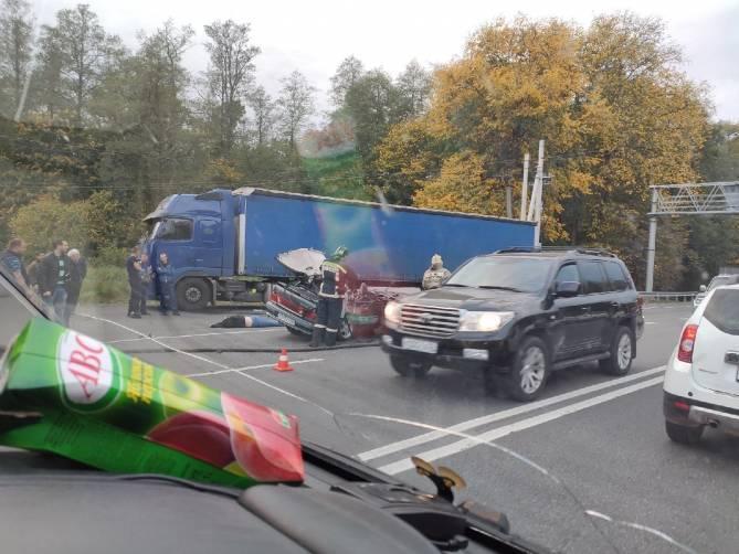 Раненый в ДТП у брянского памятника воинам-водителям находится в тяжелом состоянии
