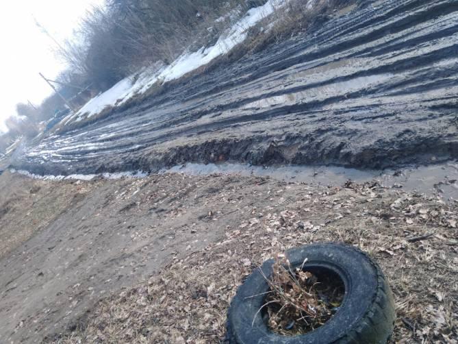 В поселке Локоть утонула в грязи дорога по улице Ленинская
