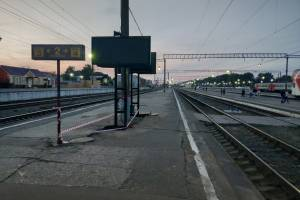 В тоннеле и на платформах вокзала Брянск-I установили цветные табло