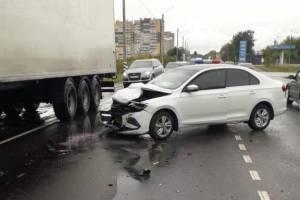 В Брянске в ДТП на улице Бурова ранен 29-летний водитель Nissan