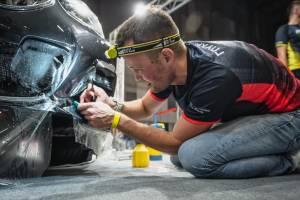 Брянский мастер по оклейке авто представит Россию в США